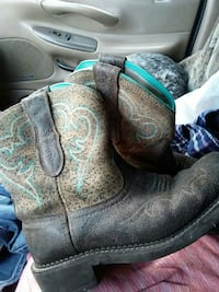 Like New Ariat Fat babys sz 9.5 Only $60 Coeur d'Alene, 83814