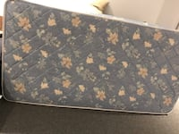 black and brown floral mattress Longueuil, J3Y 8P3