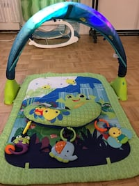 Playmat bright stars with lights, music and toys Toronto, M2J 1K2