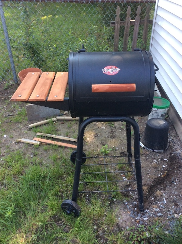 Used Char Griller 1515 Patio Charcoal Grill Never For In Quincy Letgo