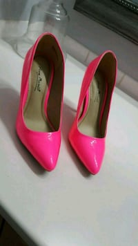 pair of pink patent leather heeled shoes Ottawa, K1C 7H9