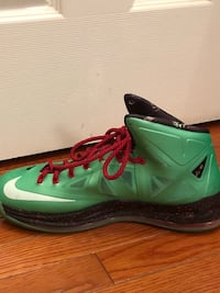 Lebrons nike basketball shoes (Size 10) Frederick, 21702