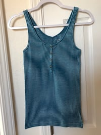 Old Navy Size Small Top Fort Bliss, 79906