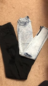 two pairs of Tinseltown juniors jeans (0) Great Neck Plaza, 11021
