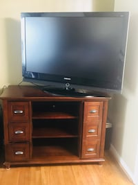 Nice Tv console. Good condition! $300.00 Frederick, 21702