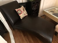 Brown Leather Chaise Lounge Dover, 03820