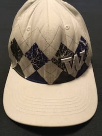 Huskies fitted hat Lake Stevens, 98258