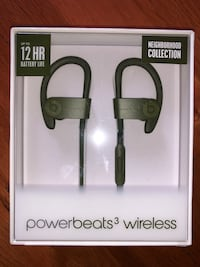 Power beats 3 brand new completely sealed for a steal price  Burnaby, V5H 0B8