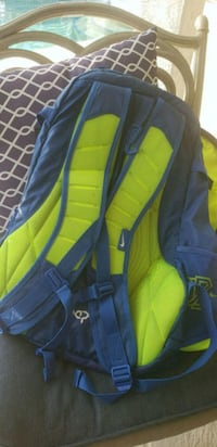 NIKE black and yellow car seat Cape Coral
