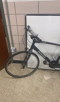 Bike/bicycle specialized sirrus commuting