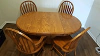Dining Table + 4 Chairs Toronto, M2R 3N7