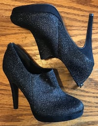 """Size 6.5 Shoes - 4"""" heels - $25 Spruce Grove, T7X"""