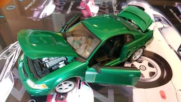 1999 Ford Mustang GT  1:18 diecast model
