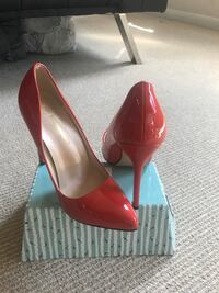 Red Hot Size 6 High heel shoes! Arlington, 22202