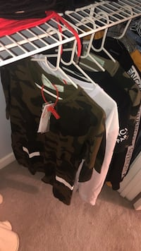 "2 Authentic ""OFF-WHITE"" Tee & Crewneck both w/ tags North Potomac, 20878"