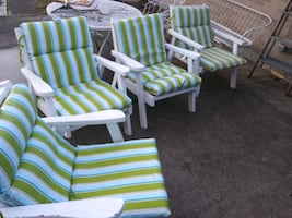 Wooden lawn chairs. Set of 4