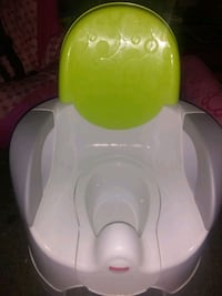 baby's white and green potty chair Mascot, 37806