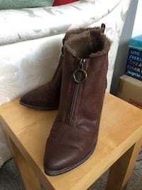 Blowfish Brown Fuzzy Warm Ankle Boots Size 7 Richmond, V6Y 2B6