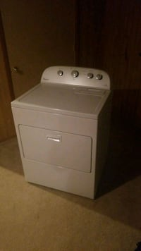 white front-load clothes dryer Sterling, 20164