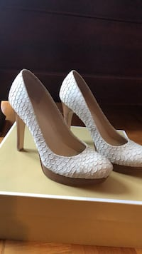 pair of white leather peep toe platform stilettos Laval, H7E 5K3
