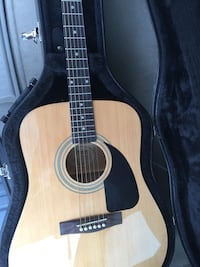 Fender acoustic guitar with hard shell case  Washington, 20024