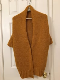 brown and white knitted vest Fairfax, 22033