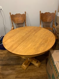 Kitchen table and 4 chairs obo Georgetown, L7G 3Z9