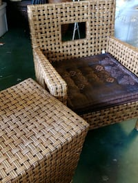 Wicker/Rattan chair and side table