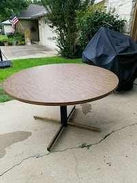 table Round Rock, 78681