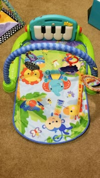 Activity mat w piano Capitol Heights, 20743