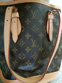 pair of brown leather Louis Vuitton bag Markham, L3T 4X4