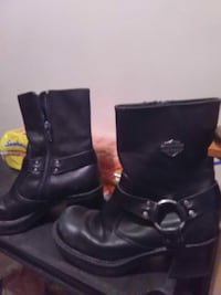 pair of black Harley-Davidson leather ankle-buckle