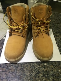 Youth Timberlands size 4.5 Vaughan, L6A 3V9