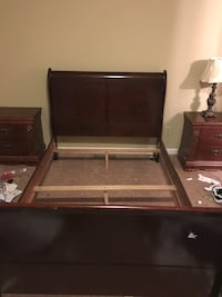 Queen size bed frame , two night stands and lamp must be gone ASAP ! Huntsville, 35816
