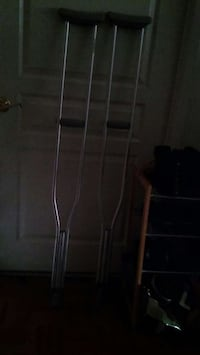 crutches used once for 5'10 and taller 22 mi