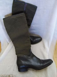 pair of black leather knee-high boots Gatineau, J8T