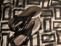 pair of black leather sandals Sterling Heights, 48311