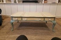 Coffee table  Freehold, 07728