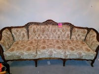Victorian style couch and loveseat  Saint Charles, 63303