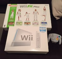 Wii FIT PLUS COMPLETE WITH BOARD Port Moody