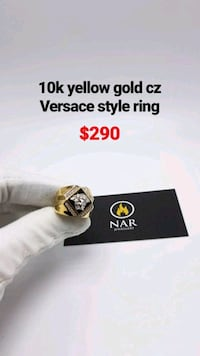 10k two-tone gold Versace style ring  Toronto, M1K 1N8