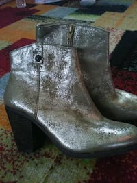 Vince camuto White gold metallic booties Chester County, 19362