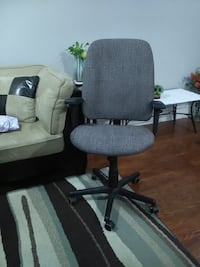 Office chair - brand new fabric Mississauga, L5N