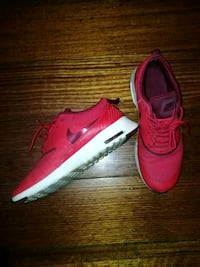 Nike red thea Melbourne, 3051