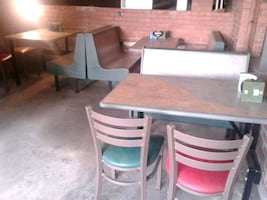 Restaurant bench and chairs in excellent condition