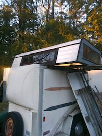Camper shell