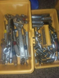 Lot of tools mostly sockets and rachets