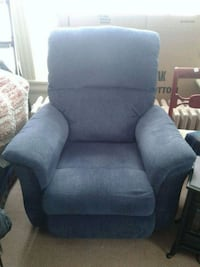 Blue Recliner Newish Great Condition  Kearney