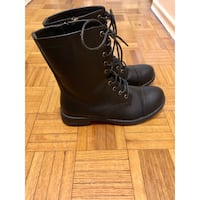 Pair of black leather boots Toronto, M3M