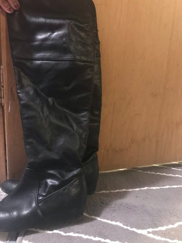 ALDO boots only wore twice, size 7 with a little wedge inside c0c7751c-f539-4195-ac98-88307173b91b